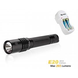 E20 +  Incluye  Cargador CRG010 + 2 baterias AA 1200 mAh
